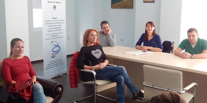 """Продължават обучителните дейности с докторанти, специализанти и млади учени във високотехнологичната база на Университетска Болница """"Света Марина – Плевен"""" по проекта за подпомагане на тяхното развитие"""
